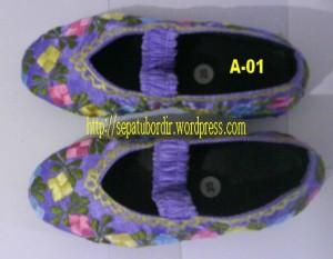 Sepatu Bordir Anak-anak