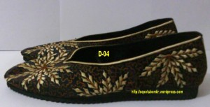sepatu bordir motif daun