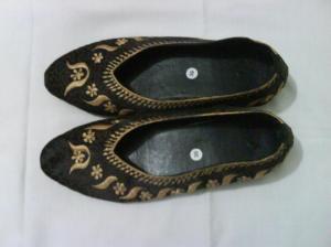 sepatu-bordir-semanggi